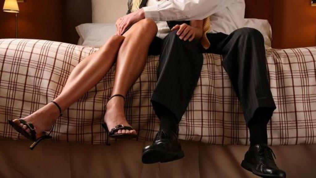 Жучок для слежки за женой
