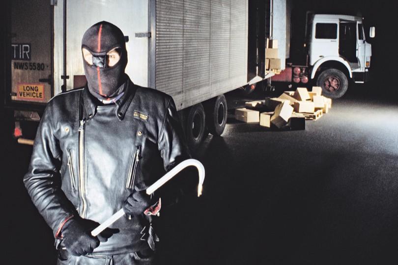 Защита грузов от внештатных ситуаций на дороге